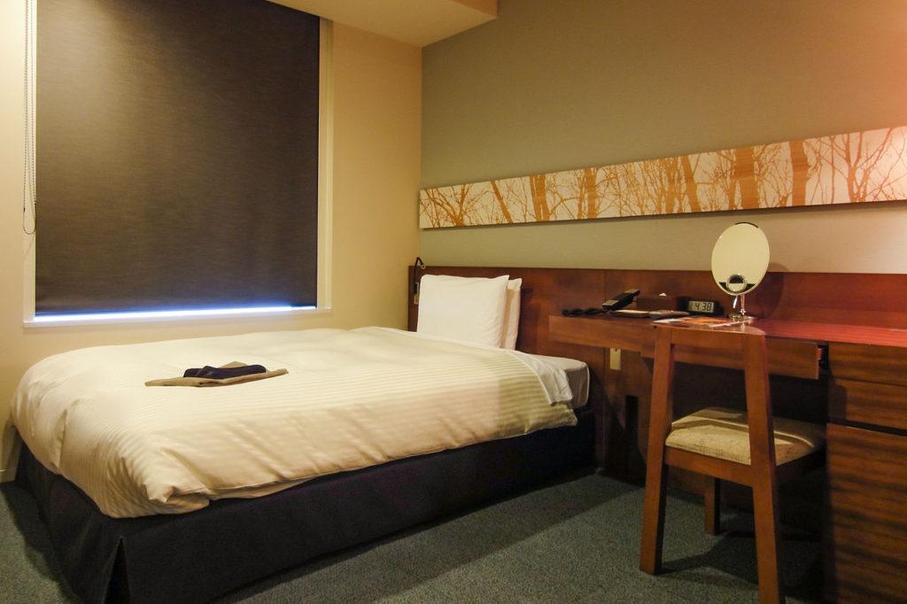 minimalistyczna- sypialnia