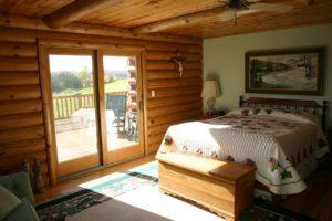 sypialnia-w-drewnie